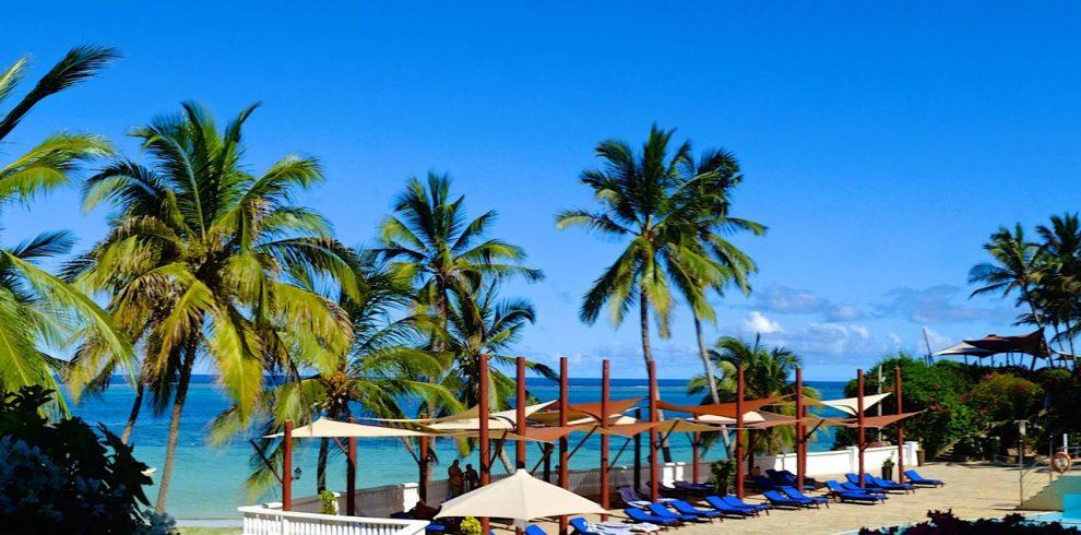 voyager beach resort pool Skywide Tours Beach Deals
